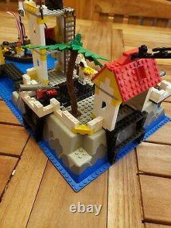 Vintage Lego Pirates Imperial Trading Post (6277) Complete with Instructions