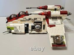 Lego 7163 Star Wars Episode II République Gunship & Minifigures Jedi Bob