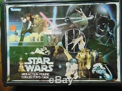 Vintage Star Wars Beaucoup. 24 Chiffres D'action Avec Des Accessoires Et Des Cas De Vinyle